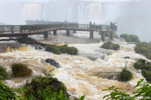 Imponen toque de queda en Foz de Iguazú los fines de semana