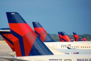 Delta Air Lines limita capacidad en cabinas con asiento central vacío