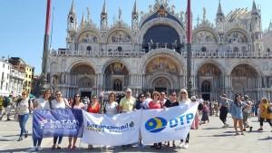 Agentes de viajes recorren destinos europeos en viaje de familiarización
