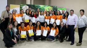 """Reciben certificados de """"Informadores Turísticos"""" jóvenes de Paraguarí y Cordillera"""