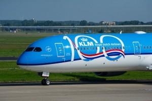 KLM celebra 100 surcando los cielos del mundo