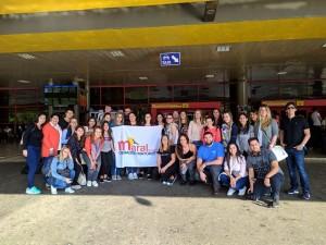 Maral propone bodas en las costas cubanas
