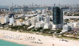 El gobernador de Florida suspende todas las medidas restrictivas
