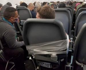 Cintas adhesivas, nueva herramienta de seguridad para compañías aéreas