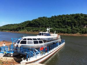 Una atracción imperdible en Iguazú, paseos en catamarán