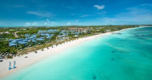Turks y Caicos exigirá a los visitantes estar vacunados