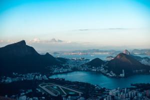 Río reabre hoteles y facilita medidas de aislamiento