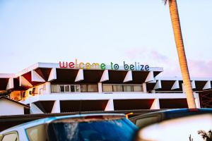 Belice reabre el aeropuerto internacional para el turismo